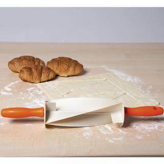 Wałek do przygotowania croissantów