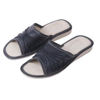 Damskie pantofle skórzane na koturnie
