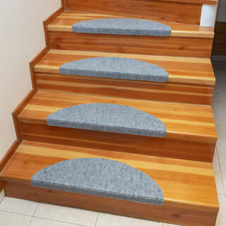 Dywanowa nakładka na schody QUICKSTEP półokrągła szara