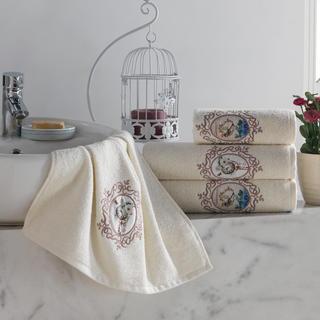 Zestaw ręczników frotte z haftem beżowy 4 szt.