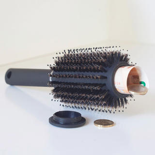Szczotka do włosów ze schowkiem